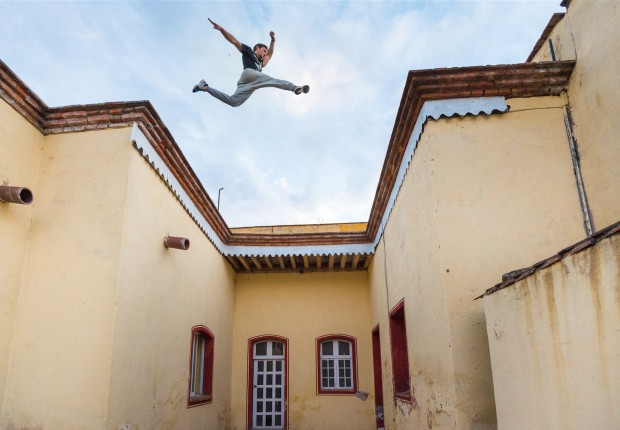 chase armitage parkour roof jump