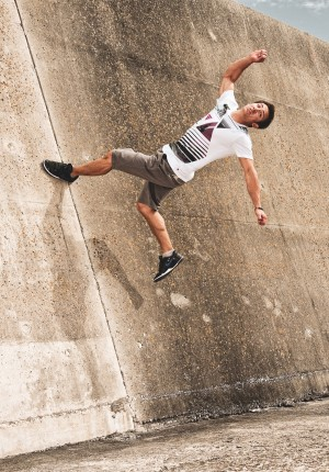 chase-wall-flip