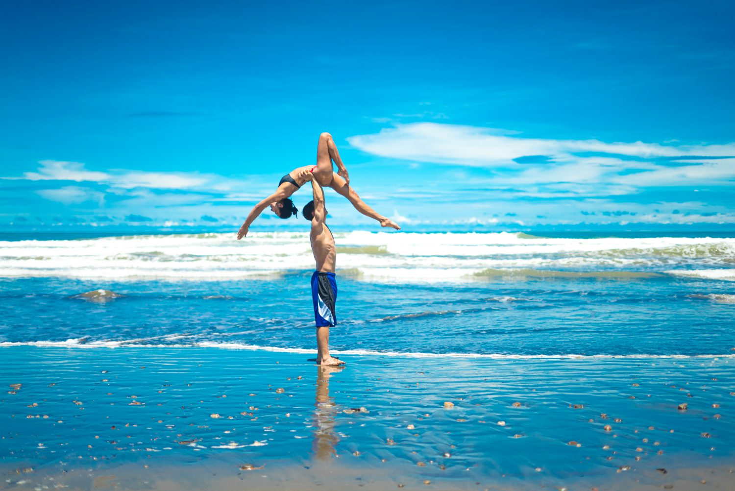 Acro yoga in costa rica